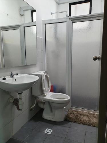 A bathroom at A29 Benoni Garden Suites