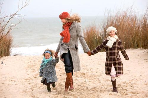 Een gezin dat verblijft bij Center Parcs Zandvoort beach