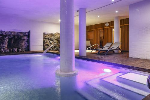The swimming pool at or near Hotel Spa Vilamont