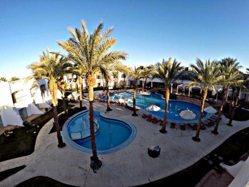 Uitzicht op het zwembad bij Luna Sharm Hotel of in de buurt