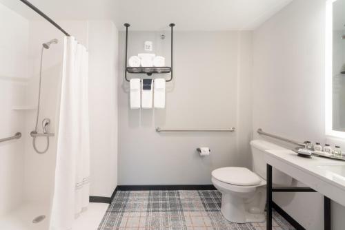 A bathroom at The Craftsman Inn & Suites