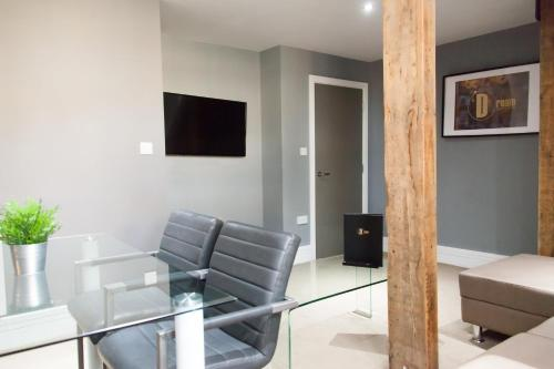 A television and/or entertainment center at Dream Apartments City Center Newcastle