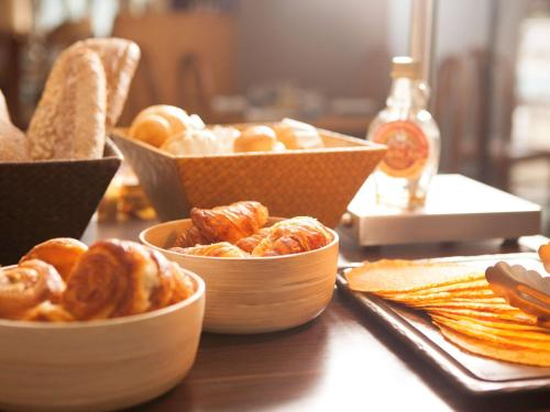 Breakfast options available to guests at Novotel Marseille Centre Prado Vélodrome