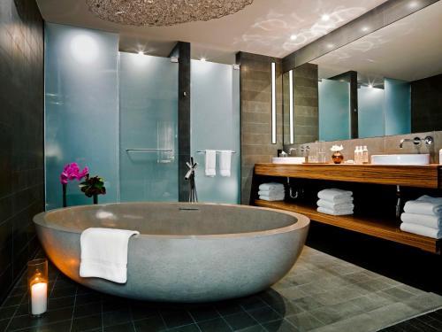 Een badkamer bij Sixty LES