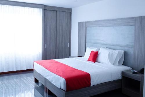 B&E Apartasuites Hotel