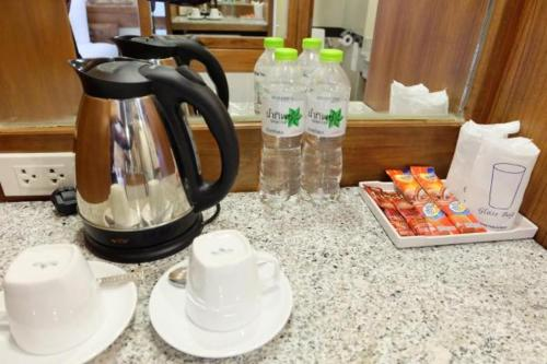 Coffee and tea-making facilities at Boutique City And Grand Day Hotel Pattaya