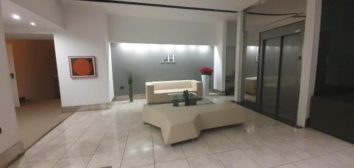A seating area at Hotel Artemide