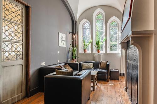 Een zitgedeelte bij Hotel Monasterium PoortAckere
