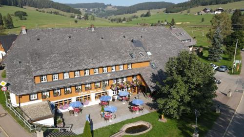 A bird's-eye view of Hotel Zum Löwen - Unteres Wirtshaus