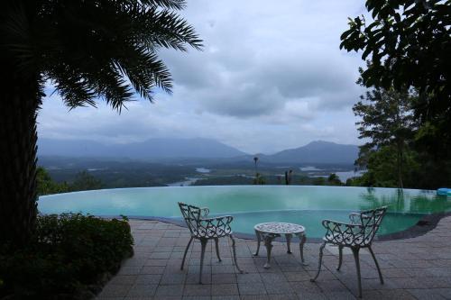 The swimming pool at or near Mount Xanadu Resorts