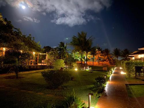 Um jardim em Pousada Lua Bela