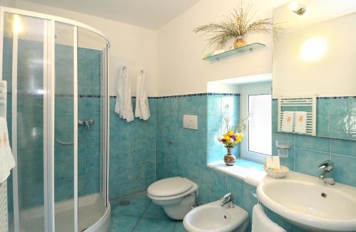 Um banheiro em Villa Maria Luigia