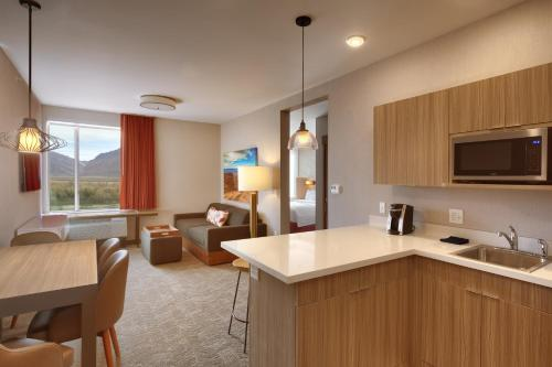 A kitchen or kitchenette at SpringHill Suites by Marriott Moab