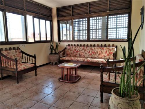 A seating area at Hotel Pousada Ibérica
