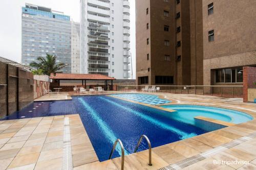 A piscina localizada em Apto frente mar na praia da Barra ou nos arredores