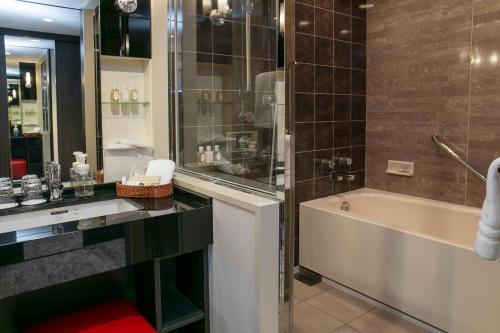 Ванная комната в Nagoya Tokyu Hotel