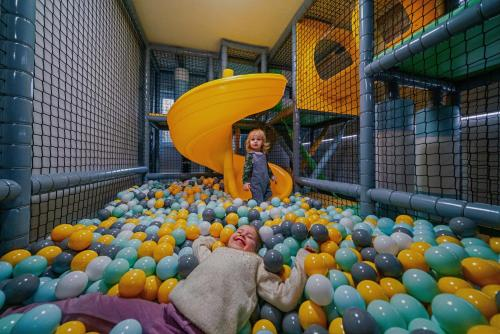 Dzieci zatrzymujące się w obiekcie Ceprówka
