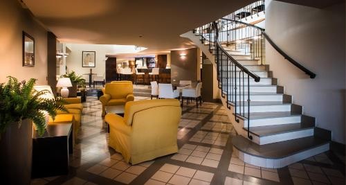 The lobby or reception area at Sardegna Hotel - Suites & Restaurant