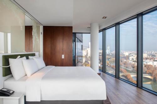 Ein Bett oder Betten in einem Zimmer der Unterkunft Radisson Blu Iveria Hotel
