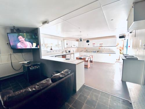 A kitchen or kitchenette at SoBo House Brighton