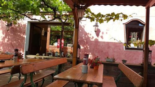 Ein Restaurant oder anderes Speiselokal in der Unterkunft Villa Croatia & Restaurant Adria