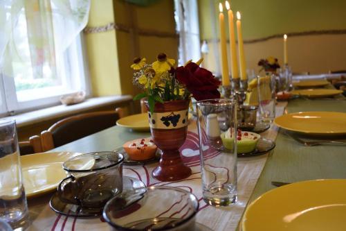 Restorāns vai citas vietas, kur ieturēt maltīti, naktsmītnē Bebru māja - Beaver house