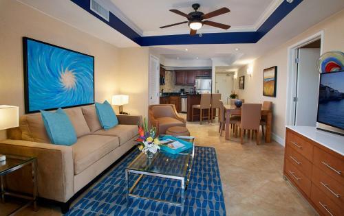 A seating area at Divi Aruba Phoenix Beach Resort