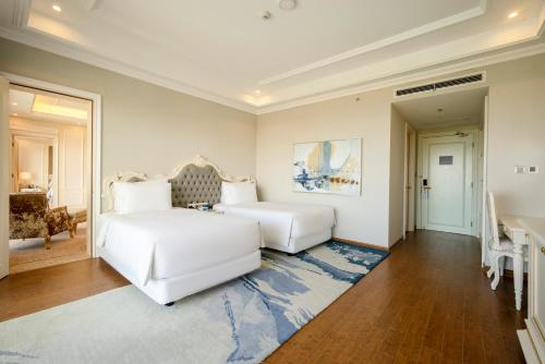A seating area at Radisson Blu Resort Phu Quoc