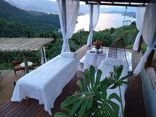 A restaurant or other place to eat at Pousada Sonho Real
