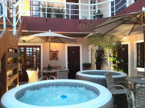 The swimming pool at or close to Navega Apart Hotel