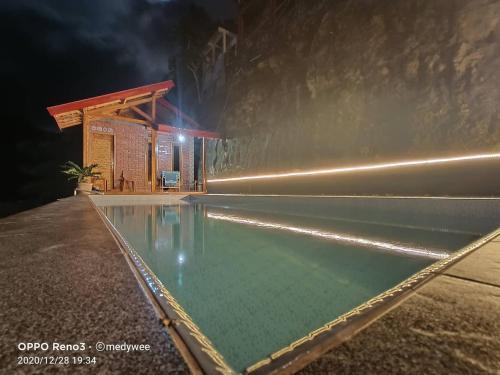 The swimming pool at or close to Villa kopiori