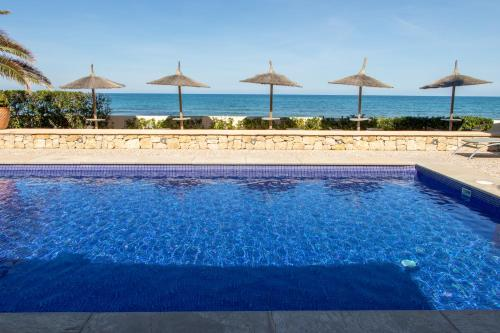 The swimming pool at or near Hotel Los Ángeles Denia