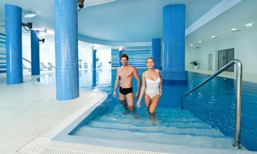 Der Swimmingpool an oder in der Nähe von Hotel Interferie Medical SPA