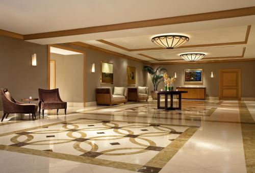 The lobby or reception area at The Westin Chicago River North