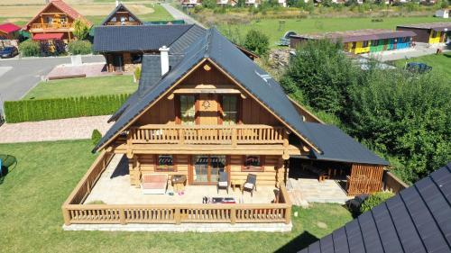 Letecký snímek ubytování Rekreačný zrubový dom