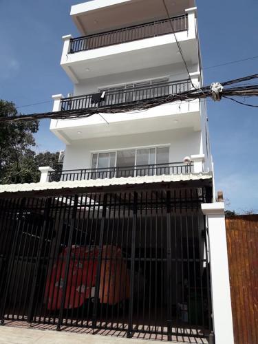 Khun Pich Apartments