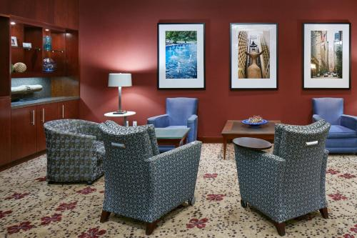 The lounge or bar area at Club Quarters Hotel, Central Loop