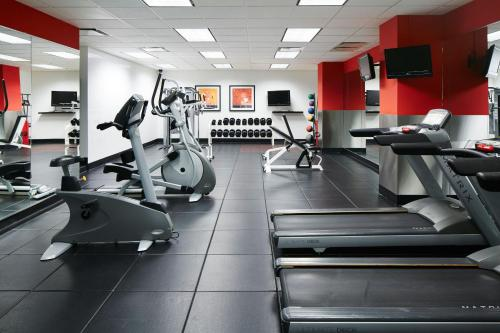 The fitness center and/or fitness facilities at Club Quarters Hotel, Central Loop