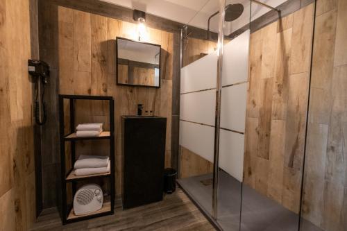 Salle de bains dans l'établissement Résidence Casarina