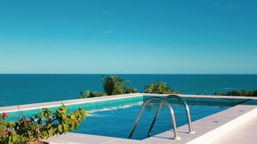 A piscina localizada em Hotel Maitei ou nos arredores
