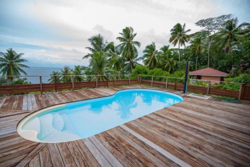 A piscina localizada em BORA - Holiday's Bungalow 1 ou nos arredores