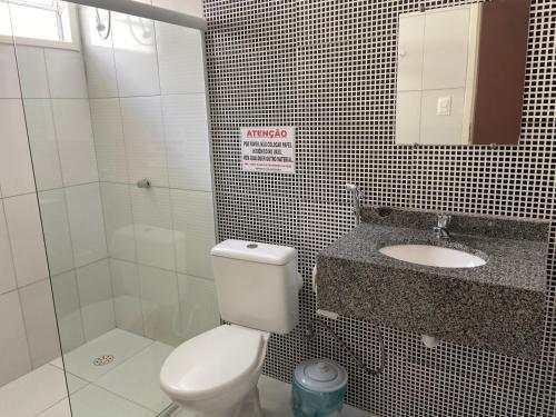 A bathroom at Casa Bem Estar Palestina