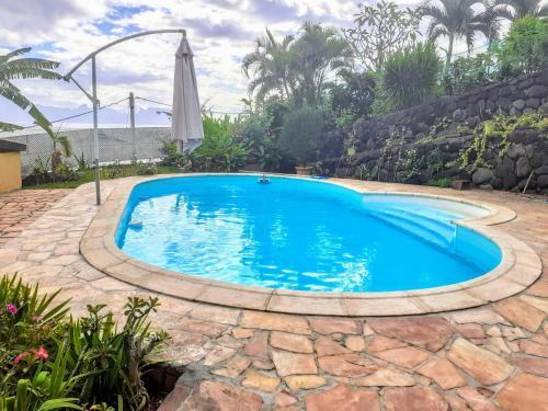 A piscina localizada em TAHITI - Piafau Cottage Pool & View ou nos arredores