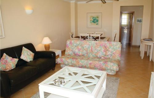 A seating area at Two-Bedroom Apartment in Alvor