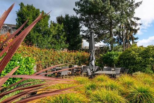 A garden outside Hotel Munten