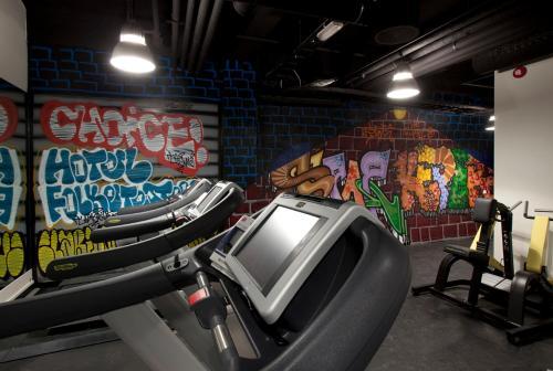 Gimnasio o instalaciones de fitness de Clarion Collection Hotel Folketeateret