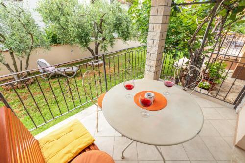 A balcony or terrace at Apartments Nono