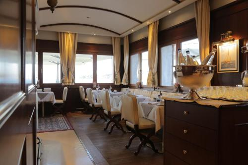 En restaurang eller annat matställe på Hotel Bucintoro