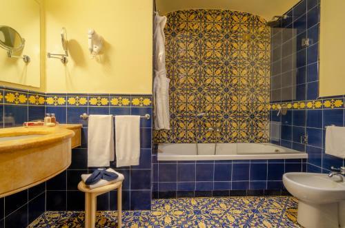 Salle de bains dans l'établissement Imperial Hotel Tramontano