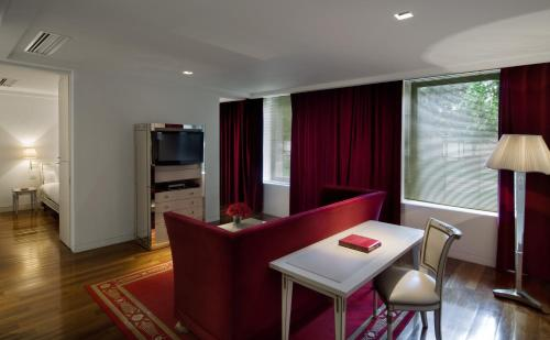 A television and/or entertainment centre at Faena Hotel Buenos Aires